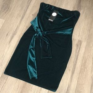 Boohoo night out sexy velvet dress size 8